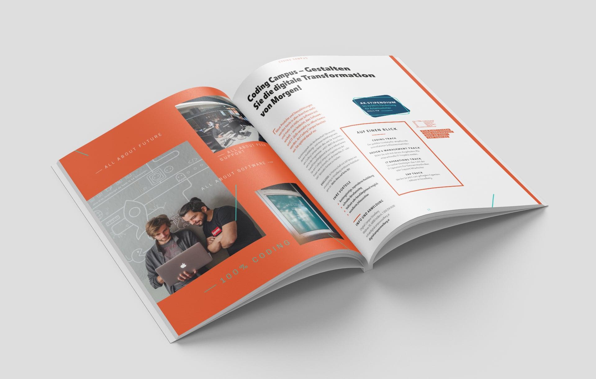 Innenseite im Kursbuch zum Thema Coding Campus