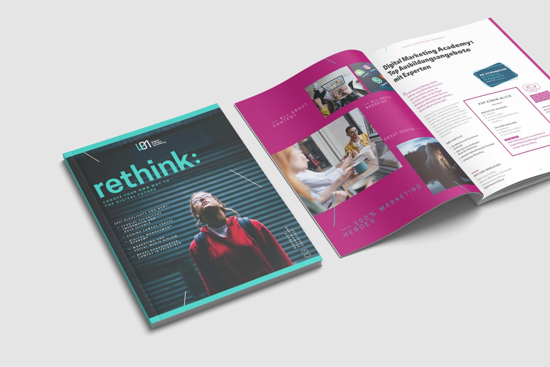 Cover und Innenseite im Kursbuch zum Thema Digital Marketing Academy